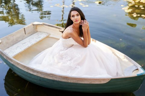 20-Tips-For-A-Flawless-Wedding-Dress-Shopping-Experience-Moonlight-Bridal-Moonlight-Collection-2-1140x855